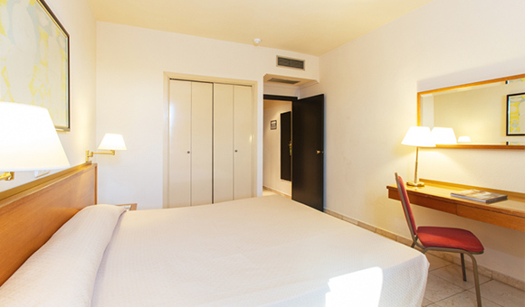 expo-hotel-valencia-basic-double-room-em-3-jpg